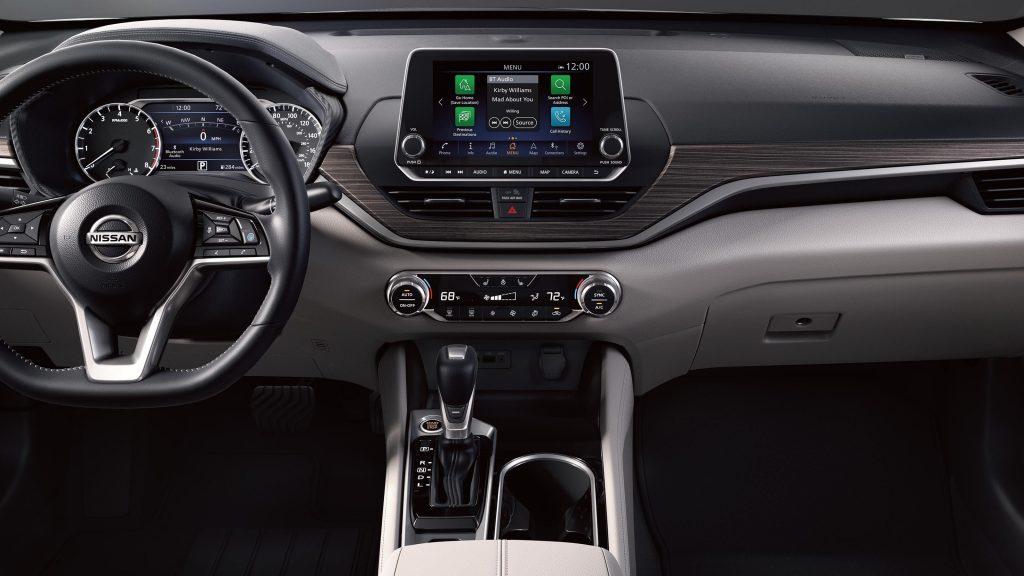 Nissan-Altima-Interior
