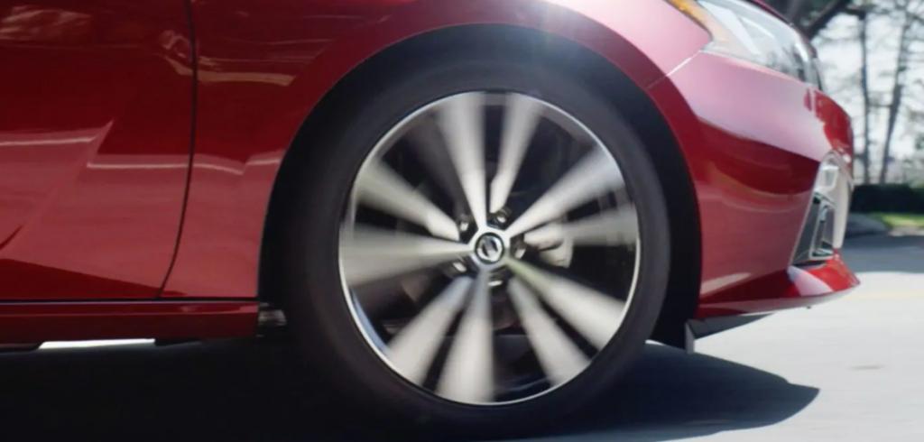 Standard Easy-Fill Tire Alert